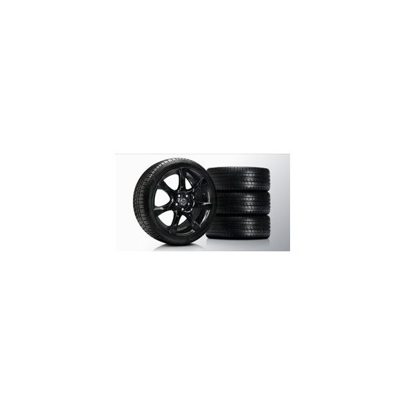 S60/V60/V70 Fortuna Glossy Black 8x18 komplett nyárigumi szett