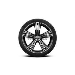 "V60 II - 19"" Multi Spoke Black Diamond Cut - Komplett téli kerék szett - Nokian"